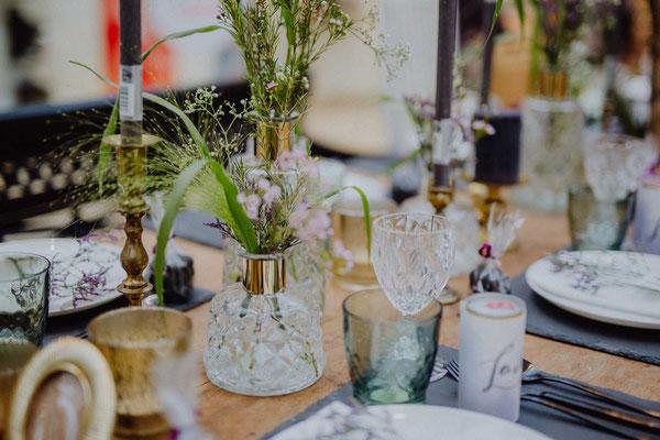 Klarglas Vase mit Goldakzent