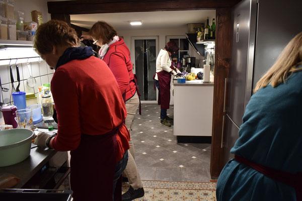 Basenfasten, Gesund essen, Ernährung, Basenfasten Kurs, Fasten, Susanne Zipse, Kräuterfrau, Kochkurse, Vogelsberg, Gießen, Grünberg, Hessen