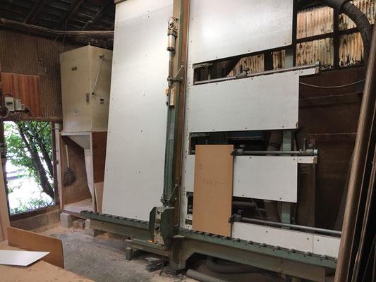 オーダーメイド家具 機械