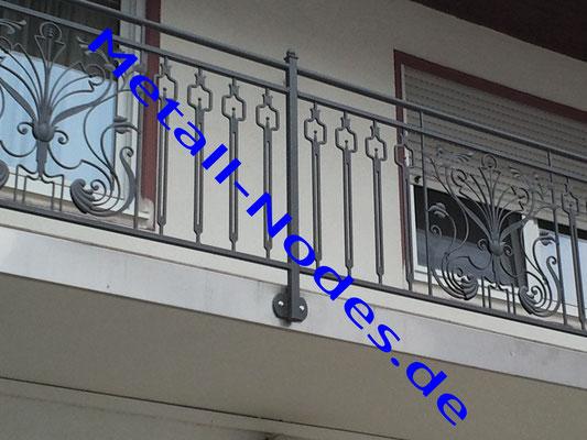 Balkongeländer Feuerverzinkt + Pulverbeschichtung. Stirnseitige Balkon Edelstahlblech Verkleidung