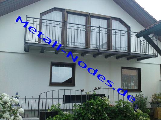Balkongeländer Pulverbeschichtet. Balkonplatte Beton (In Steinoptik)