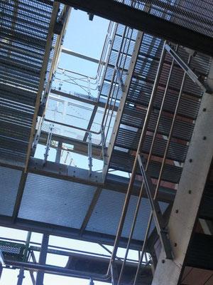 Fluchttreppenturm. 3 Stockwerke. Gesamttonnage ca. 10 tonnen.
