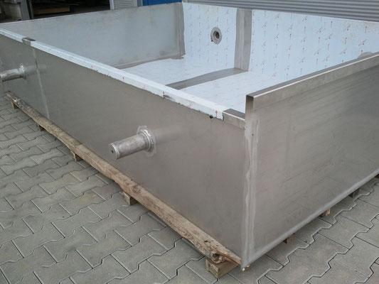 Wasserbehälter aus Edelstahl