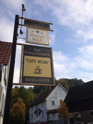 Von außen etwas unpektakulär - aber innen ein kleines Schmuckkästchen: das Cafe Wilma in Ober-Kainsbach. (©odenwaldlust.de)