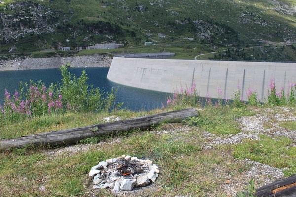 Staumauer Lago di Lei  (1'930 m)
