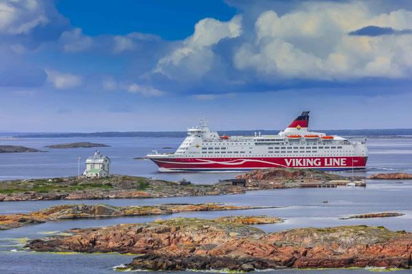 MS Amorella vor Mariahamn (Aaland-Inseln, Finnland)