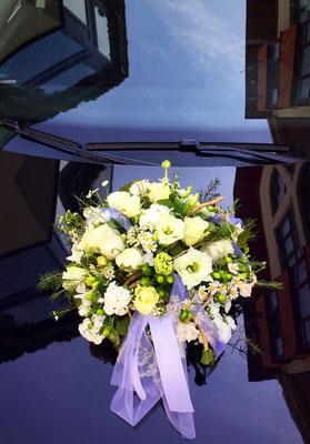 Hochzeitsfloristik - Autogesteck
