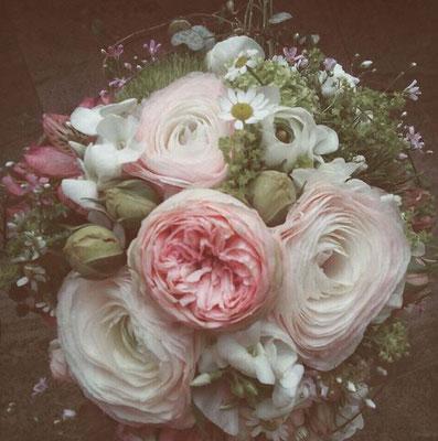 Hochzeitsfloristik - Brautstrauß puderig