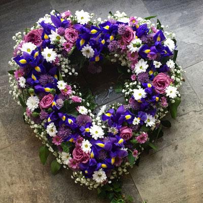 Trauergesteck - Herz lila