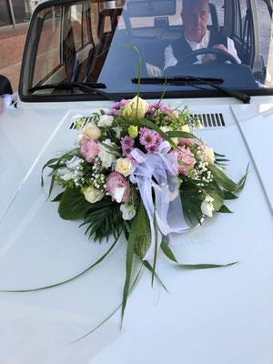 Hochzeitsfloristik - Brautauto