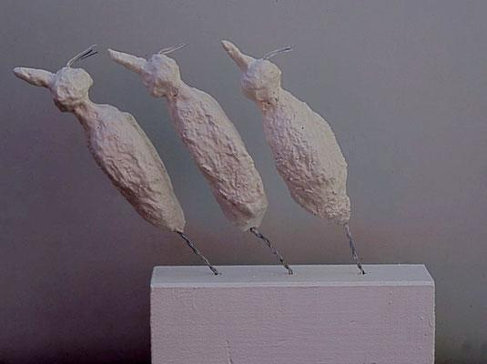 """Kleinskulptur: """"Schräge Vögel"""""""