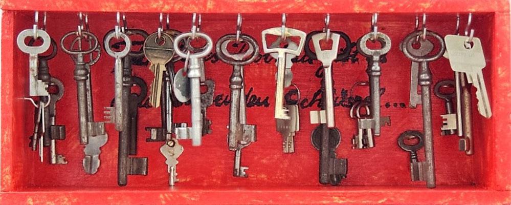 """Kleinskulptur: """"Für jedes Problem gibt es einen Schlüssel"""""""