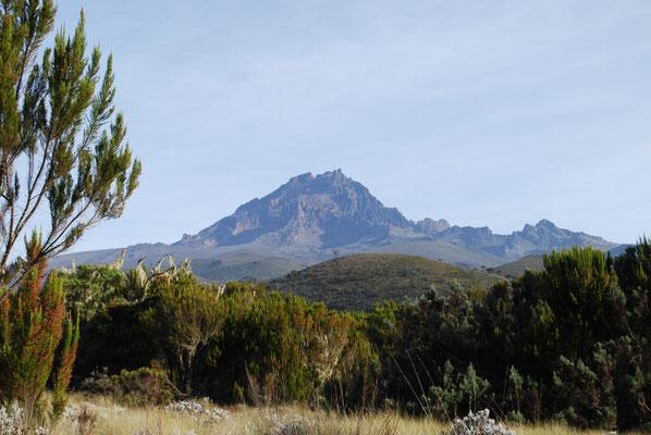 Der zweithöchste Gipfel des Kilimanjaro, der Mawenzi