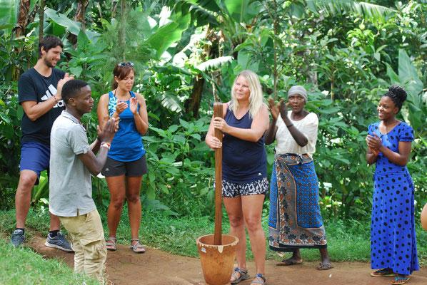 Kaffee selber machen in Materuni am Kilimanjaro