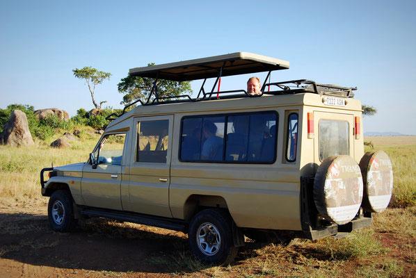 Moderne Safari Fahrzeuge