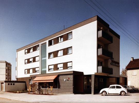 Der Neubau in der Eckenweiherstraße 6, 1966. Foto: Metzgerei Lindauer GmbH & Co. KG