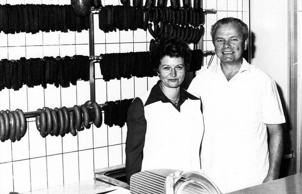 Alice und Oskar Lindauer in der neuen Filiale in der Bahnhofstraße, 1981. Foto: Metzgerei Lindauer GmbH & Co. KG