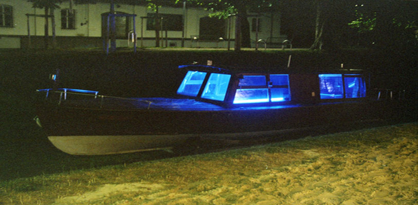 Blaues Boot / Blue Boat