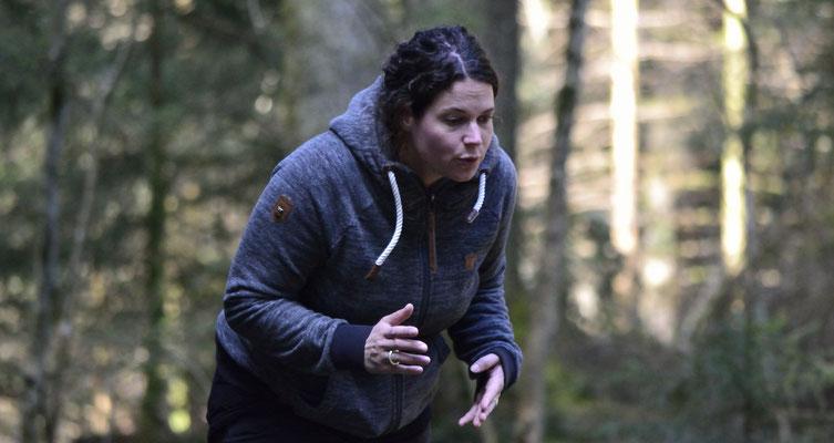 Nicole Graf (Natural Dogmanship® Instruktorin und nature based Mantrailing Coach®)
