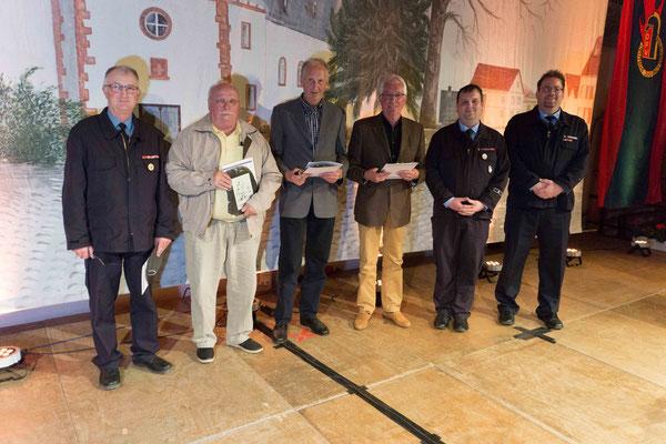 Stolze 50 Jahre Vereinsmitglied in der Freiwilligen Feuerwehr Södel. Die neuen Ehrenmitglieder.