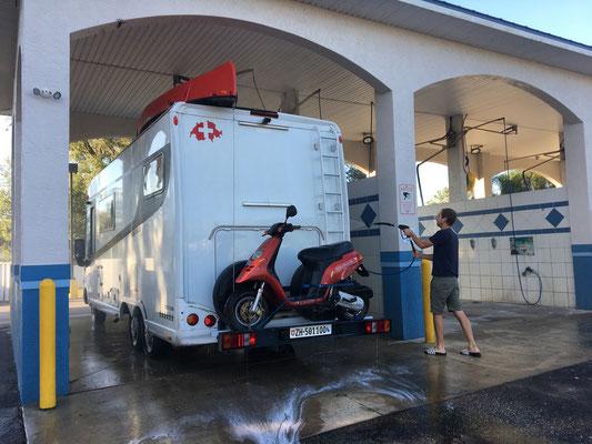 Camping Car Wash