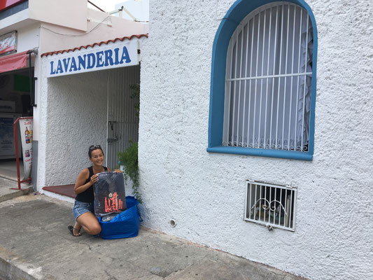 Washing Service in Mexico 5 Dollar for 11kg.....