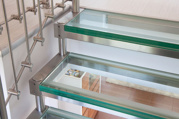 Treppenstufe aus VSG-Glas
