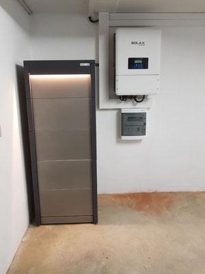 Powertrust-Stromspeicher mit der immer vorhandenen Notstromreserve im Inselmodus