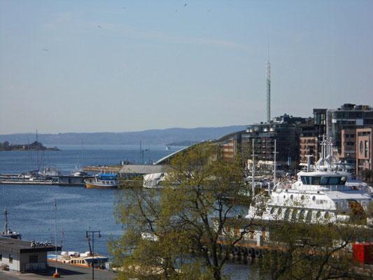 Blick auf den Hafen aus Rathausfenster