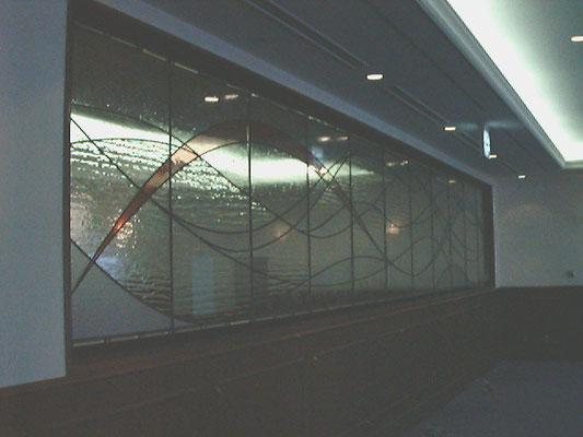 ガラスのレリーフ