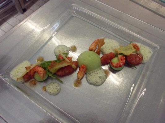 Mousse von Zuckerschoten mit Flusskrebsen und Tomaten-Koriandervinaigrette