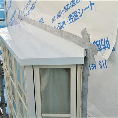 ⑤内部含めて取替え、防水透湿シート、胴縁の順で再建。