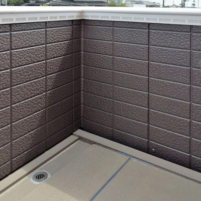 ④完工。手摺壁の通気改良と床の修繕。