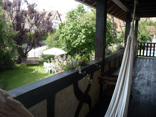 Une petite sieste à l'ombre sur la balcon