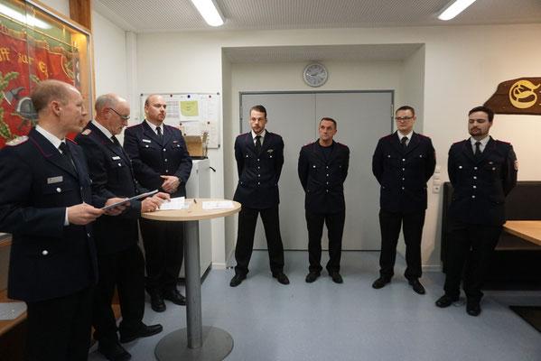 Dénis Janz, Oliver Fehse, Robin Korff und Benjamin Reimers wurden zu Hauptfeuerwehrmännern befördert