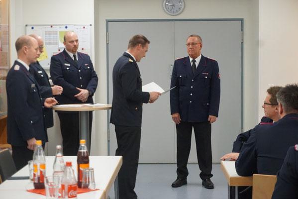 Ehrung für 40 Jahre aktive Dienstzeit: Rainer Haß (rechts im Bild)
