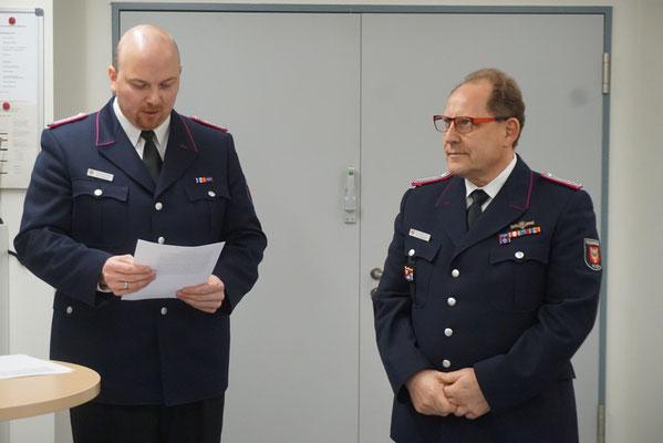 Ehrung für 40 Jahre aktive Dienstzeit: Hans-Joachim Niemann (rechts im Bild)