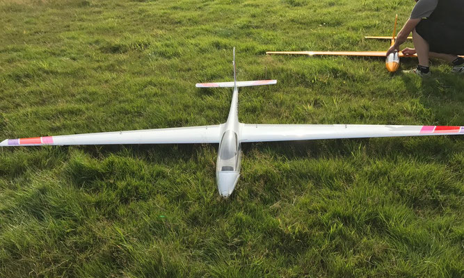 Das Modellflugzeug