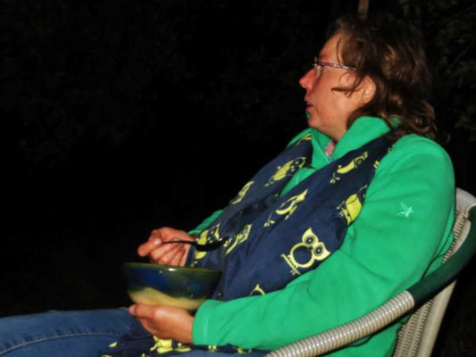 um Mitternacht gibt es traditionell die Kraftsuppe