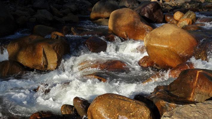 Rauschen des Flusses