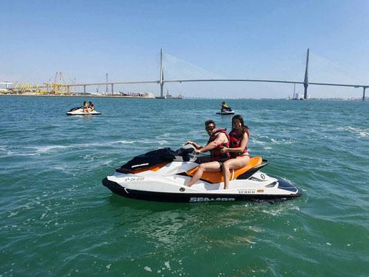 ruta guiada en moto acuática Cádiz