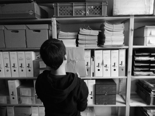 Uli im Archiv