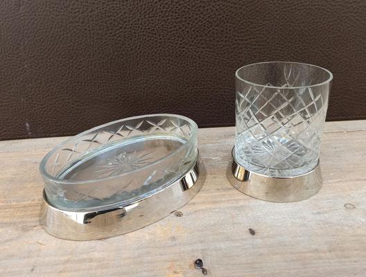 Jabonera y vaso portacepillos de cristal y metal