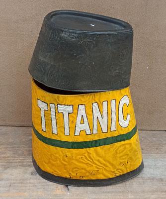 Papelera metal Titanic. Disponible en tamaño grande