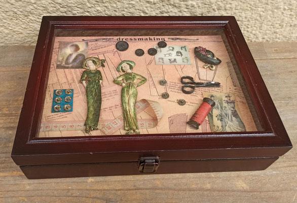 Caja vitrina costurero