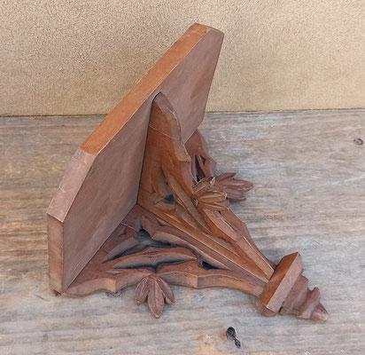 Ménsula de madera. Ref 105. 15x16X12 fondo