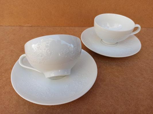 Juego 6 tazas con plato de porcelana blanca con relieve