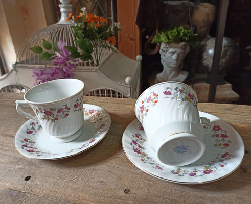 4 tazas café con plato