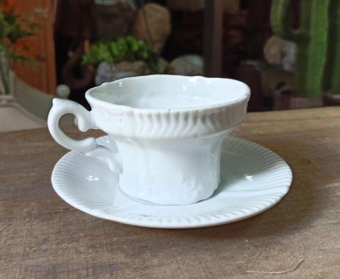 Juego 6 tazas con plato porcelana blanca