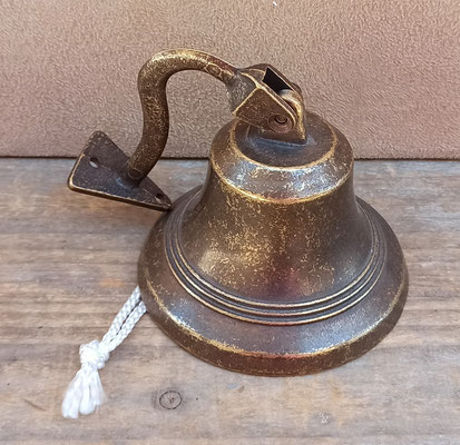 Campana bronce. 10 cms de diámetro